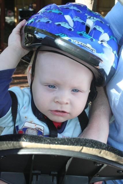 helmet trying on